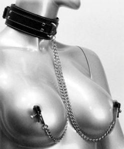 khoá cổ và kẹp vú bạo dâm